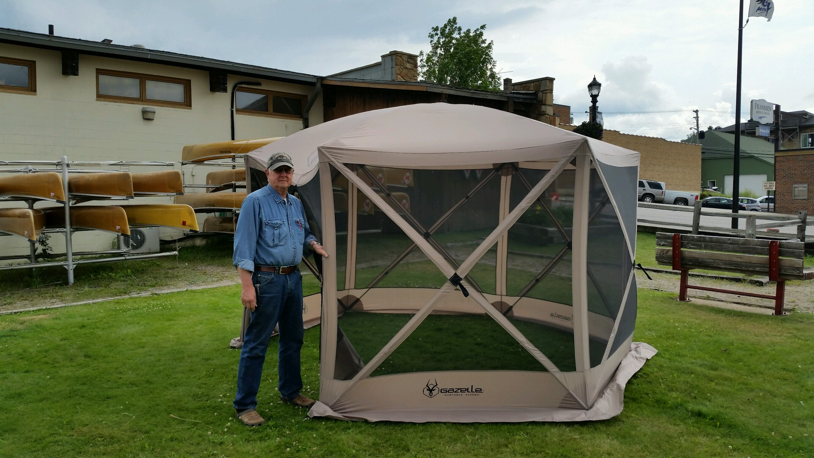 Portable Screen Tent : Portable gazebo canadian waters